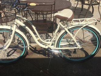 Schwinn Bike (Women's) for Sale in Stockton,  CA