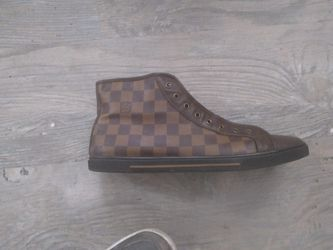 Men's Louis Vuitton Shoes 91/2 for Sale in Everett,  WA