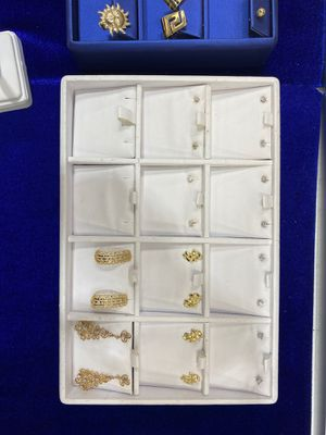 10k-14k diamond studs/nugget earrings for Sale in Charlotte, NC
