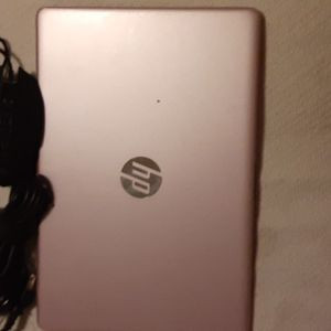 HP Windows 10 Rose gold With Headphone And Mouse Color Changing Set for Sale in Fort Worth, TX