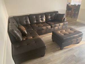 Dark brown sectional (6 months old) for Sale in Fresno, CA