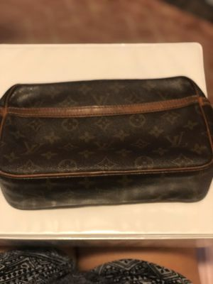Louis Vuitton makeup bag for Sale in Phoenix, AZ