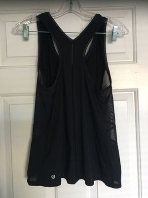 Lululemon woman's tank size 6 for Sale in Atascadero, CA