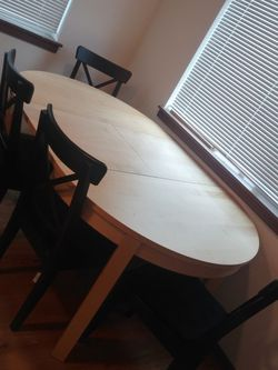 Kitchen Table W/leaf And 4 Chairs for Sale in Arlington,  WA