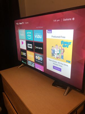 """TCL 43"""" Roku Smart tv 4K ultra for Sale in Cleveland, OH"""