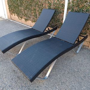 Outdoor Patio Wicker Lounge Chairs for Sale in Los Angeles, CA