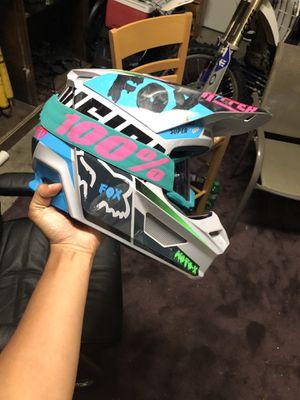 Fox dirt bike helment for Sale in La Plata, MD
