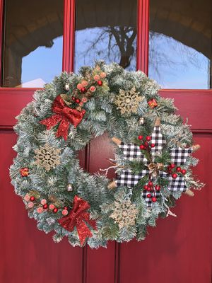Beautiful Christmas wreath for Sale in Choctaw, OK