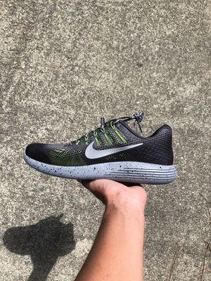 Nike lunarglide size 10 brand new for Sale in Smithfield, NC