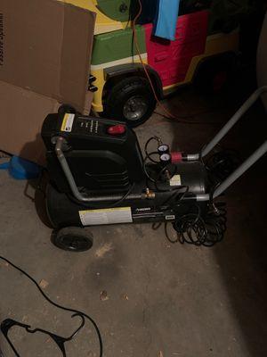 Husky 8 gallon air compressor for Sale in Chicago, IL