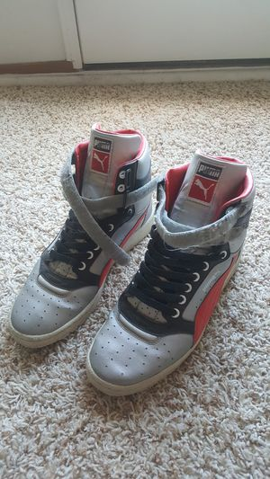 Mens Puma Sneakers - size 9 for Sale in Sterling, VA