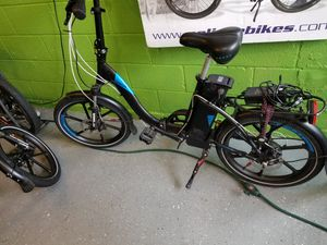 Magnum folding electric bike for Sale in Chantilly, VA