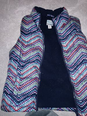 Size 8 girls Old Navy puffer vest for under the jacket for Sale in Roseville, CA