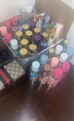 Perfumes Y Crema for Sale in Forest Heights, MD