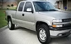 ֆ14OO O4 CHEVY SILVERADO 4WD for Sale in Los Angeles, CA