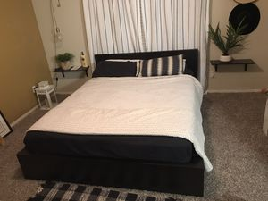 Queen bed frame for Sale in Addison, TX