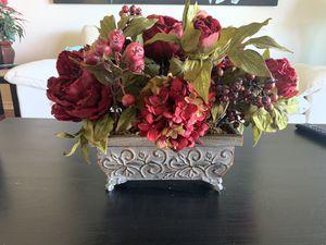 Maroon floral arrangement for Sale in Waimea, HI