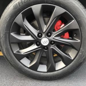 I Will Plasti Dip Blackout Your Rims And Paint Your Calipers for Sale in Chicago, IL
