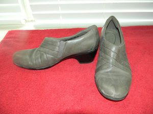 Clarks Size 8 Woman's small Heel Shoes for Sale in Plano, TX