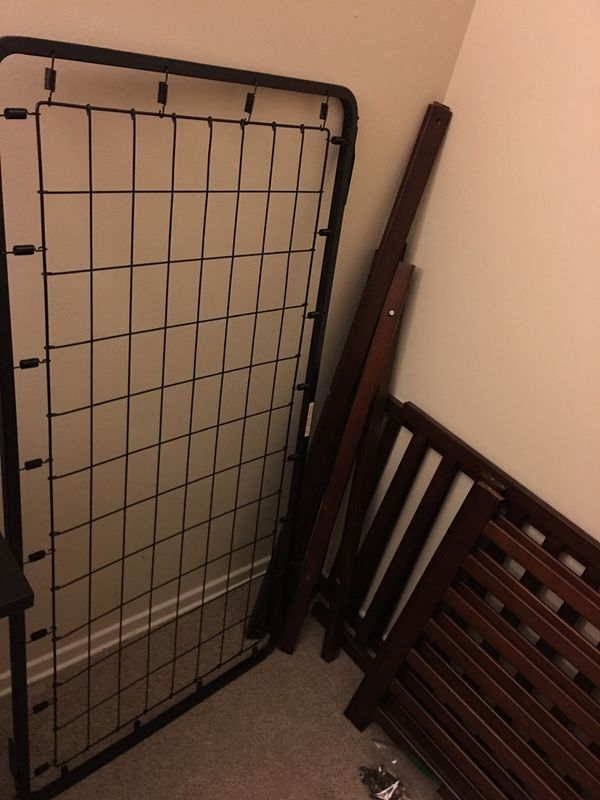 Crib and changing table (mattress)