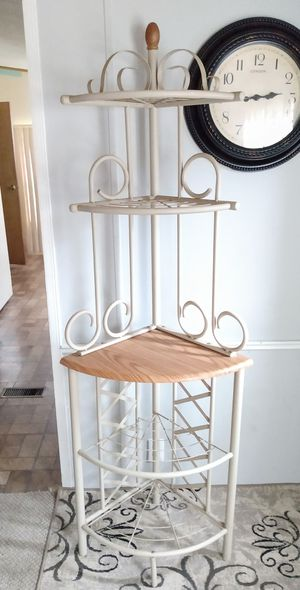 """5"" TIER CORNER BAKER'S RACK/ STORAGE SHELF UNIT/ PLANT STAND for Sale in Kent, OH"