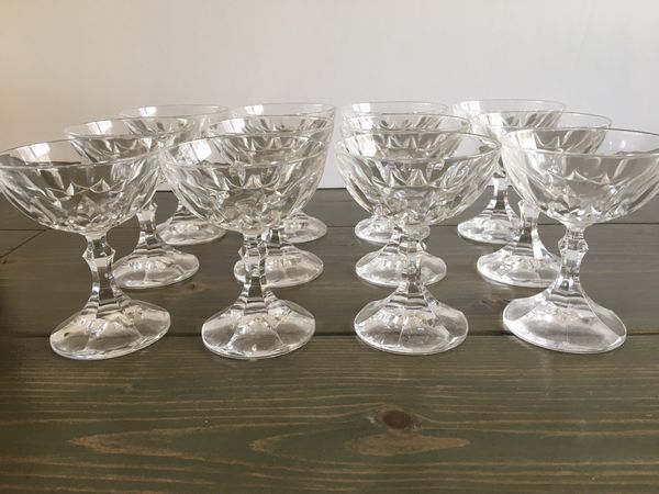 12 Crystal Wine Glasses