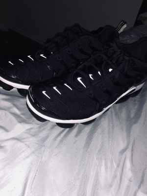 size 13 nike $65 9-10 for Sale in Lakewood, CA
