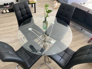 Dinner table with 4 chairs for Sale in Los Angeles, CA
