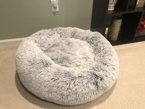 """Dog / Cat Bed - """"Calming Bed Donut Cuddler"""" - Shag fur 30""""x30"""" for Sale in York, PA"""