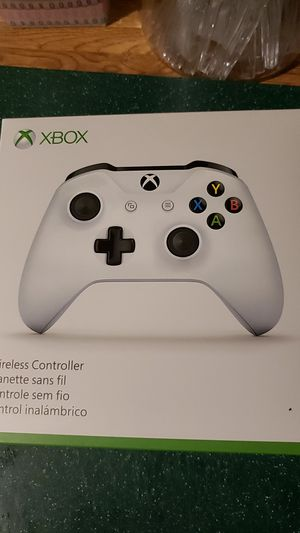 XBOX WIRELESS CONTROLLER for Sale in Ravenswood, WV