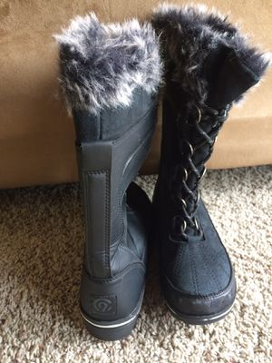 Women's snow boots for Sale in Kent, WA