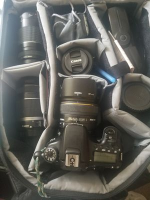 Canon 70d camera with 3 lenses for Sale in Queens, NY