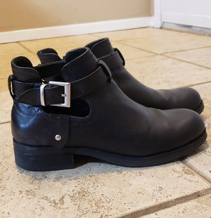 FREE women boots for Sale in Renton, WA