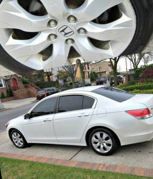 For Sale. 2010 Honda Accord XLE Great Shape. FWDWheels for Sale in St. Louis, MO