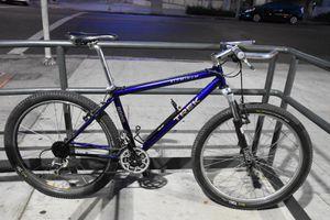"Trek 8000 Mountain Bike Vintage Rock Shox Forks Blue 26"" Wheels 17"" Frame Bicycle for Sale in Los Angeles, CA"
