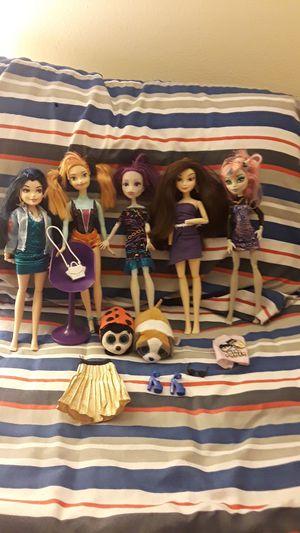 Desendents,frozen,and monster high dolls for Sale in Phoenix, AZ