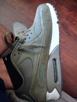 NIKE AIR MAX 90 GREEN OLIVE SIZE 11.5 FLIGHT CLUB NYC for Sale in New York, NY