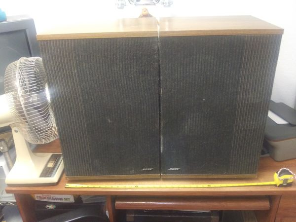 BOSE 501 SERIES IV SPEAKERS. Works Flawlessly.