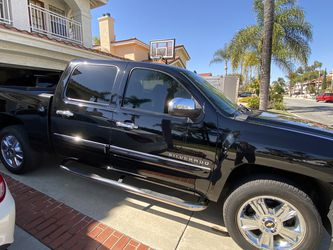 Chevy Silverado LT Crew cab for Sale in Chino Hills,  CA
