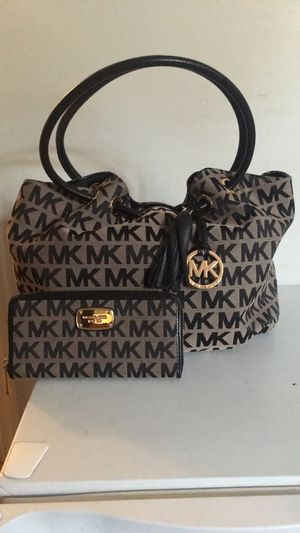 Authentic Michael Kors for Sale in Lynchburg, VA