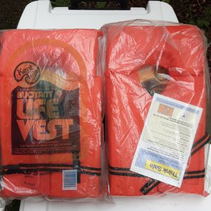 Life Vest Youth Chest Size 25-29 Inches for Sale in Everett, WA