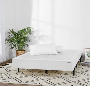 "BRAND NEW* Full 9"" bed platform smart box spring - never taken out for Sale in Trenton, OH"