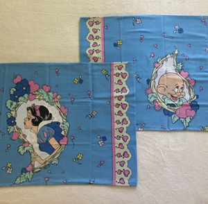 2 Vintage 1993 ~ Disney Snow White & Dopey Pillowcases ~ Made in USA for Sale in Fresno, CA