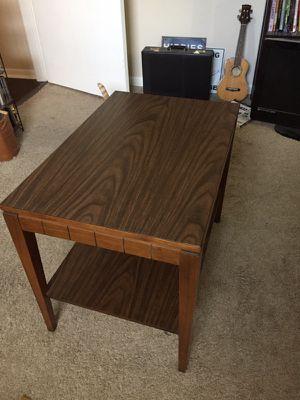 Vintage Mid Century end table/coffee table for Sale in Austin, TX