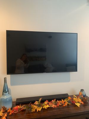 50 inch Samsung smart tv UHD 7 series for Sale in Philadelphia, PA