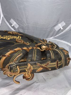 Rawlings Hard of the Hide Baseball Glove 12.5 Right Handed for Sale in W CNSHOHOCKEN, PA