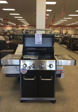 Gas grill , financing available and low monthly payments!!!!!! Take it home today it is the perfect Father's Day gift!!!! for Sale in Harrisonburg, VA