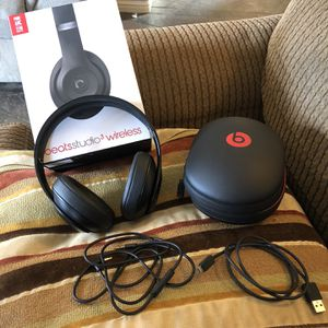 Beats Studio 3 Wireless for Sale in Valley Center, CA