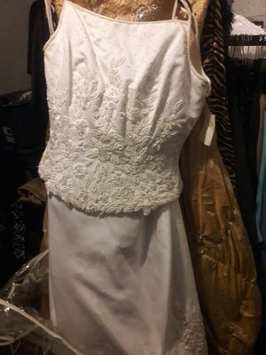 Wedding dress size 14 for Sale in Detroit, MI