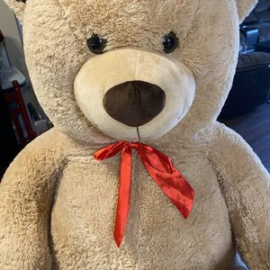 4 Foot Teddy Bear for Sale in South Elgin, IL